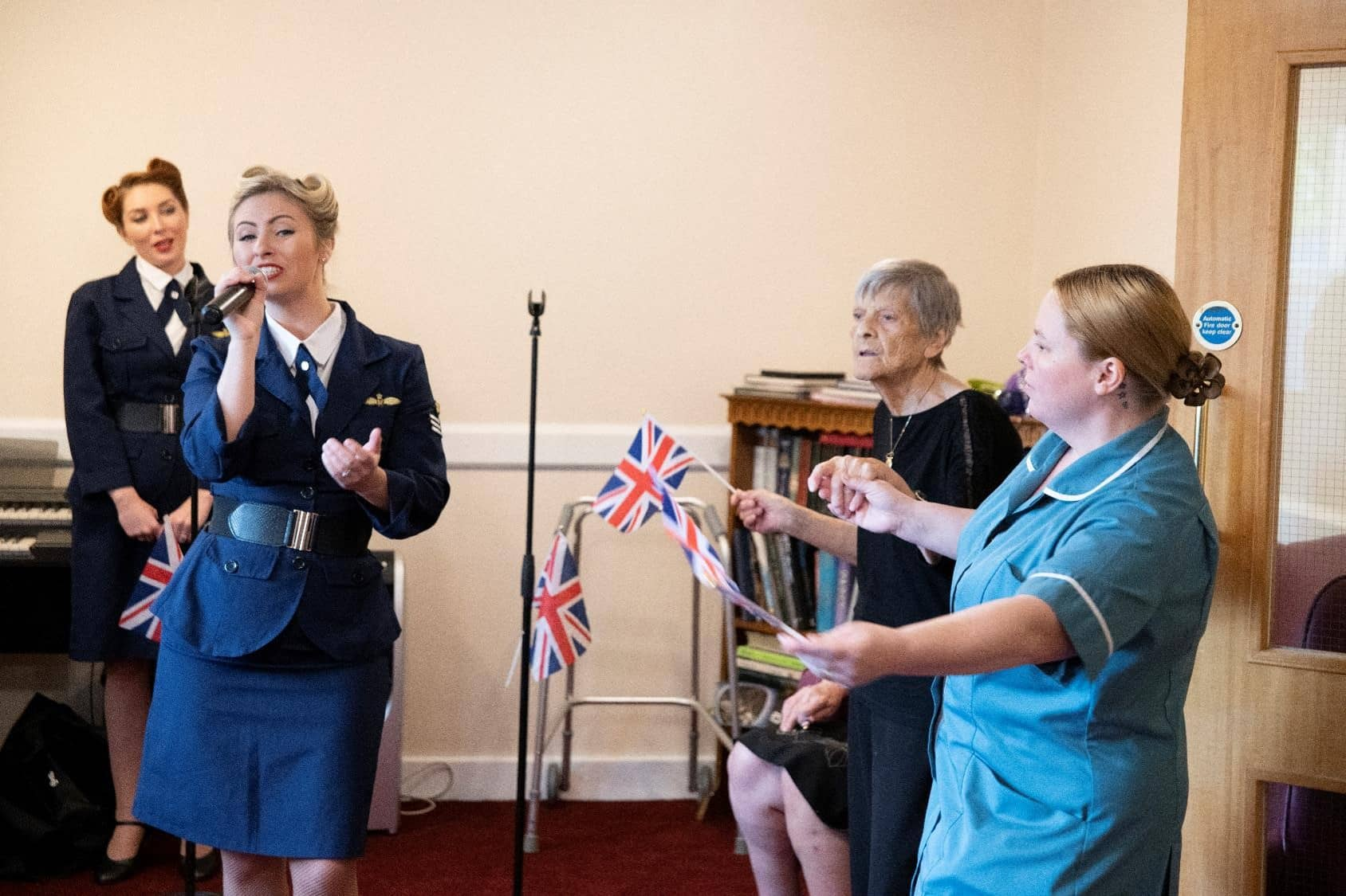Entertainers at Paisley Lodge for VE day 2019.jpg
