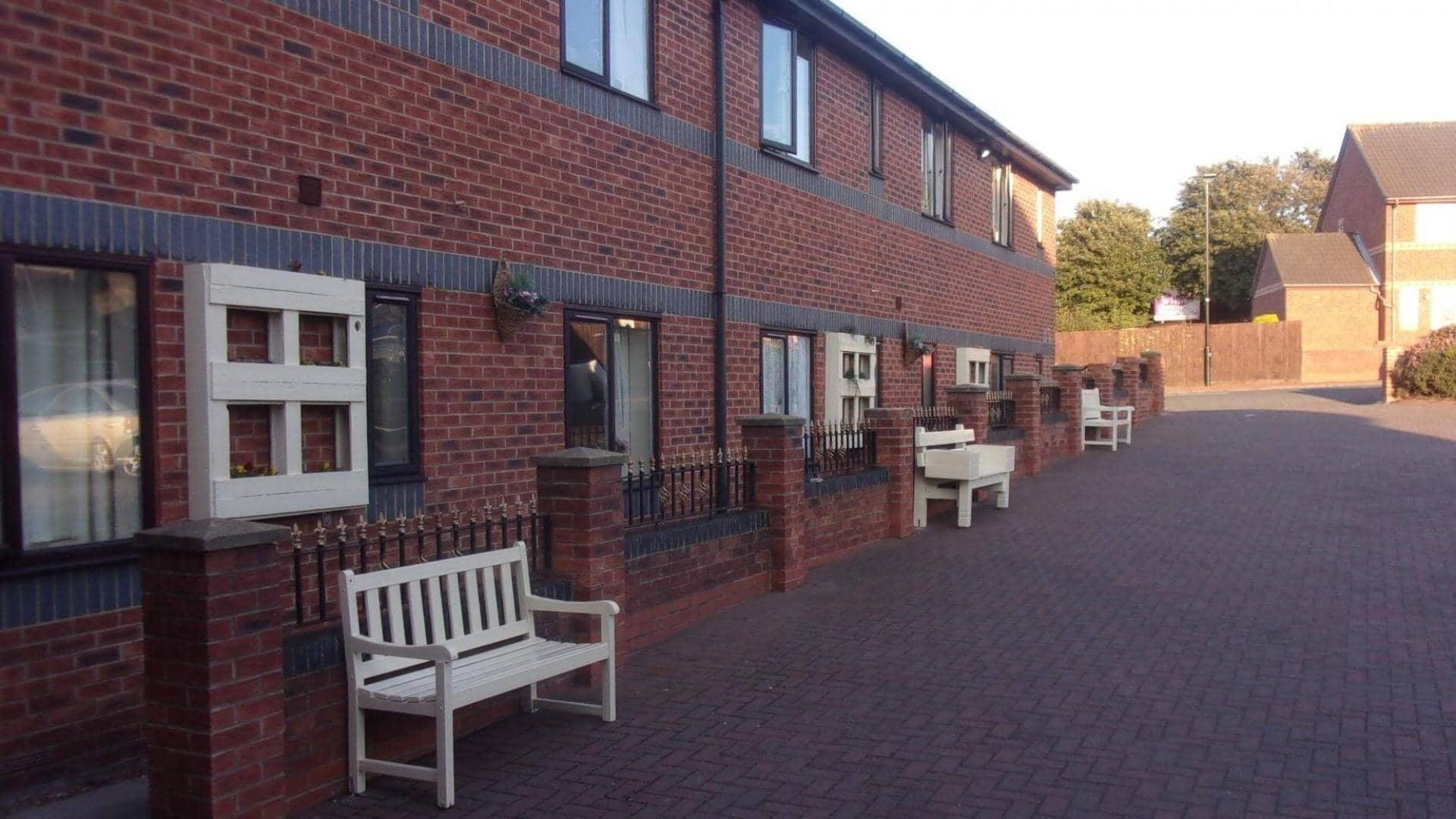 Ashlea Lodge care home outdoor seating.