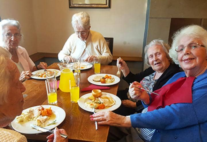 Residents from Preston Care Home, Penwortham Grange & Lodge,enjoy their free pub lunch.