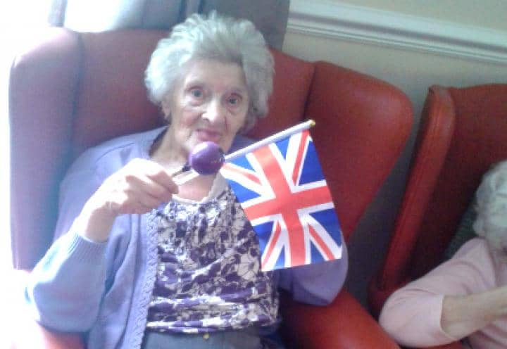 Resident at Ashlea Mews Care Home in Tyne & Wear enjoying the quiz.